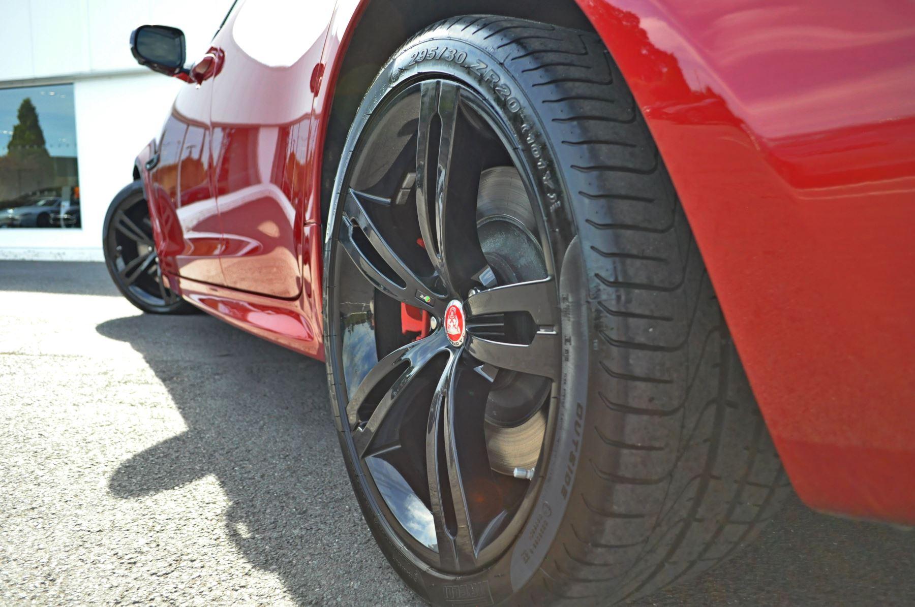 Jaguar XJ 5.0 V8 Supercharged XJR image 10