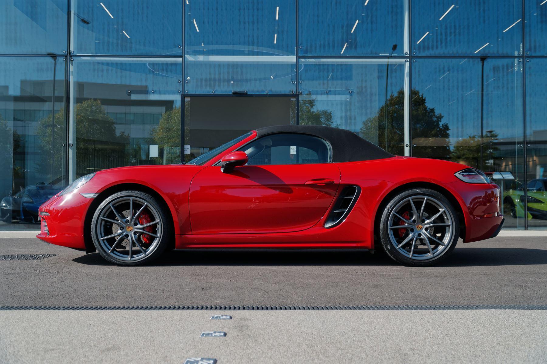 Porsche Boxster S image 3