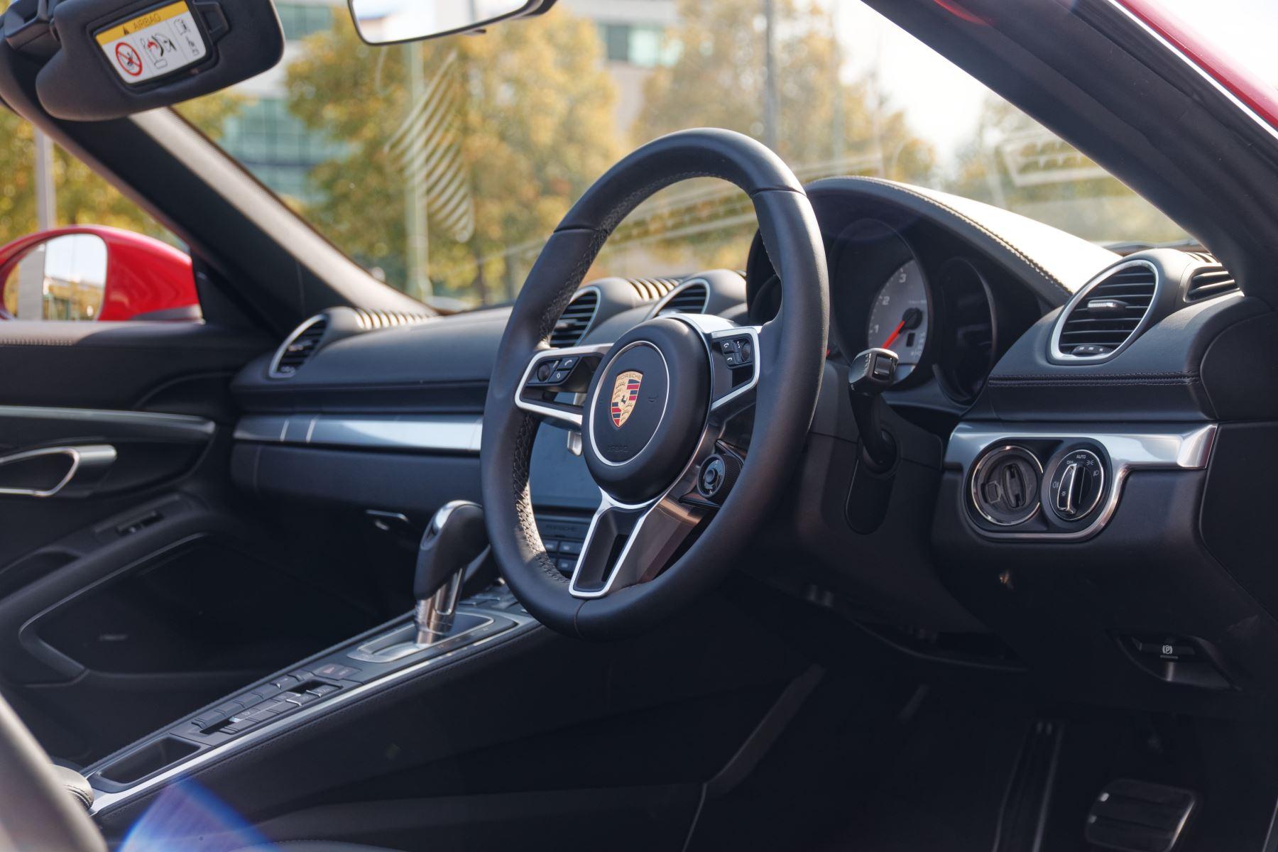 Porsche Boxster S image 16
