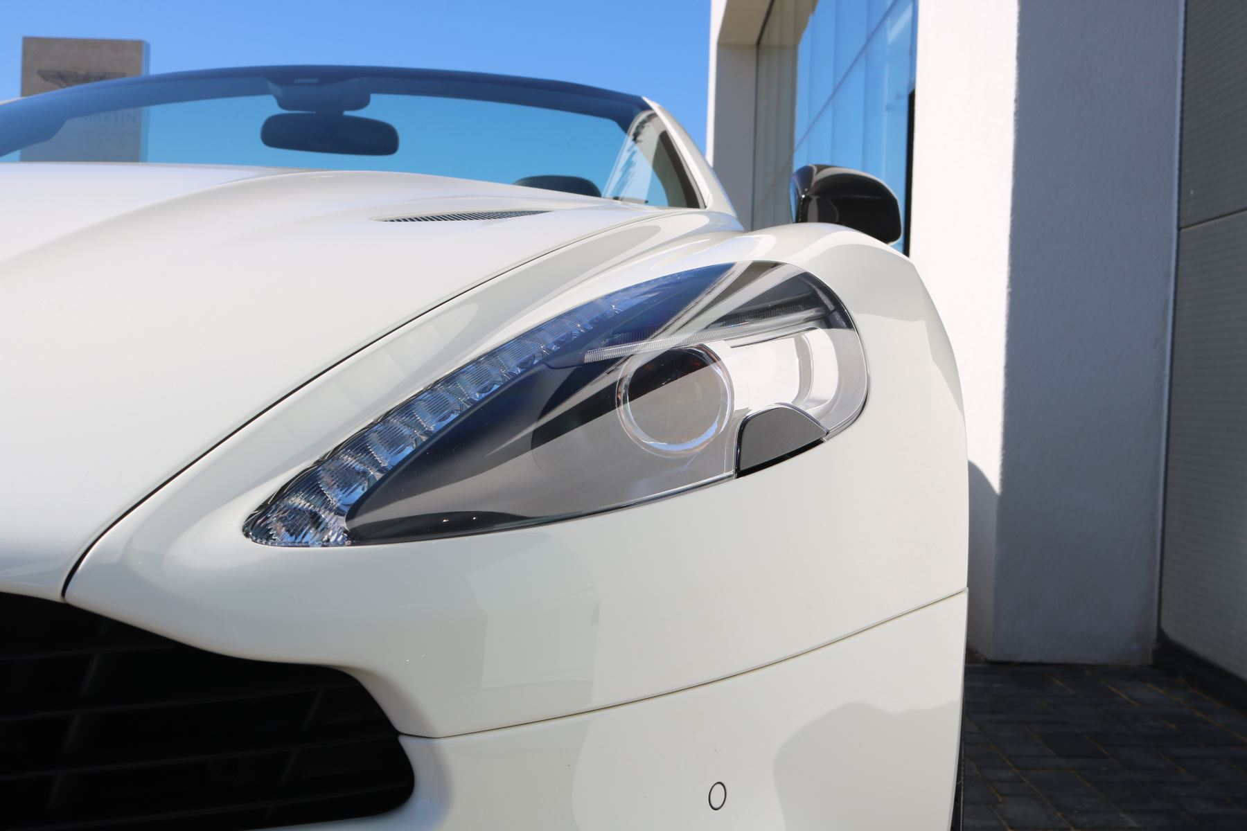 Aston Martin Vanquish V12 [568] 2dr Volante Touchtronic image 9