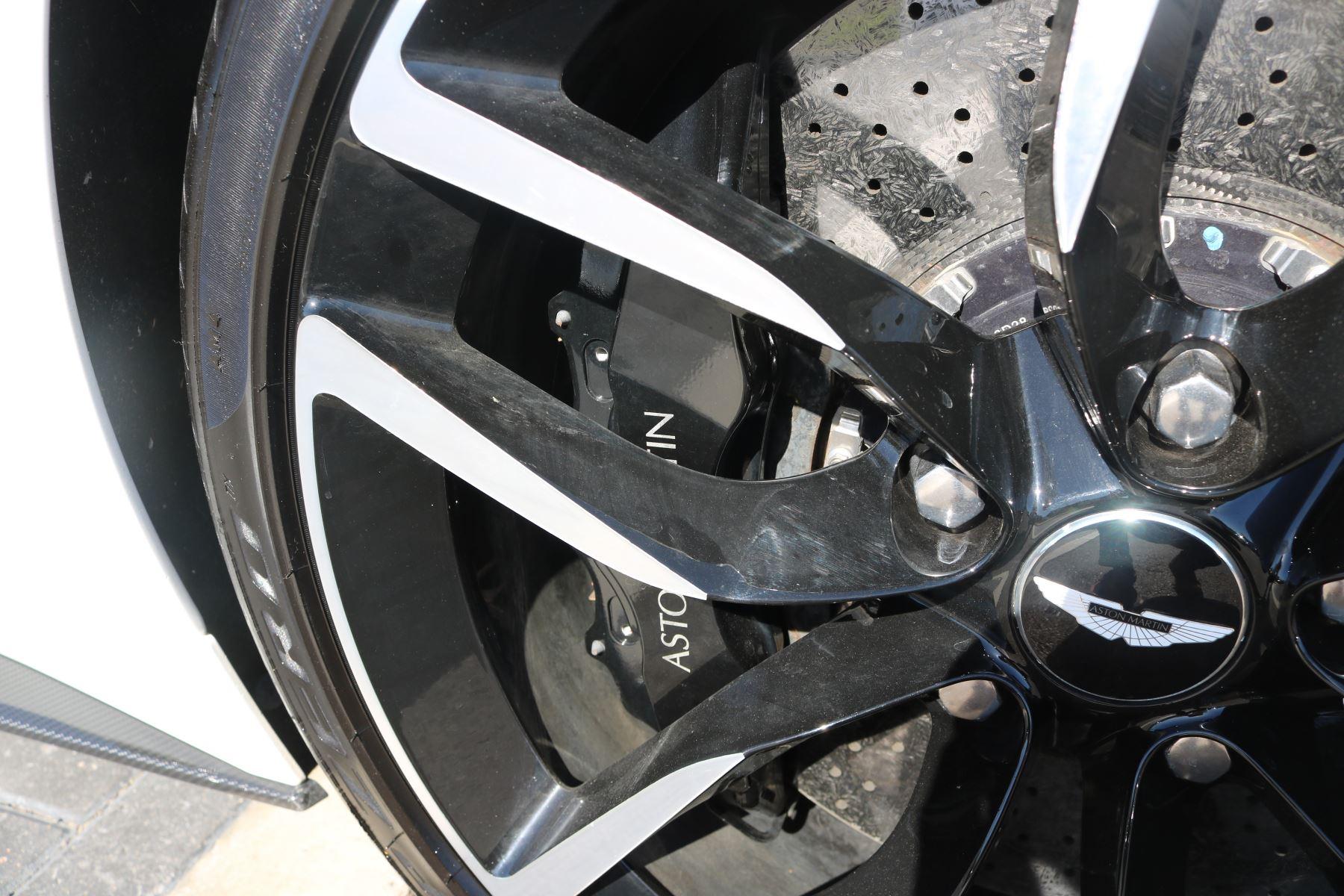 Aston Martin Vanquish V12 [568] 2dr Volante Touchtronic image 16