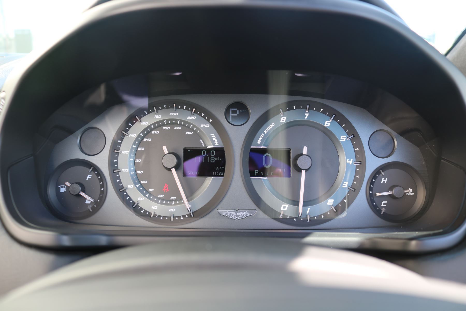 Aston Martin Vanquish V12 [568] 2dr Volante Touchtronic image 22