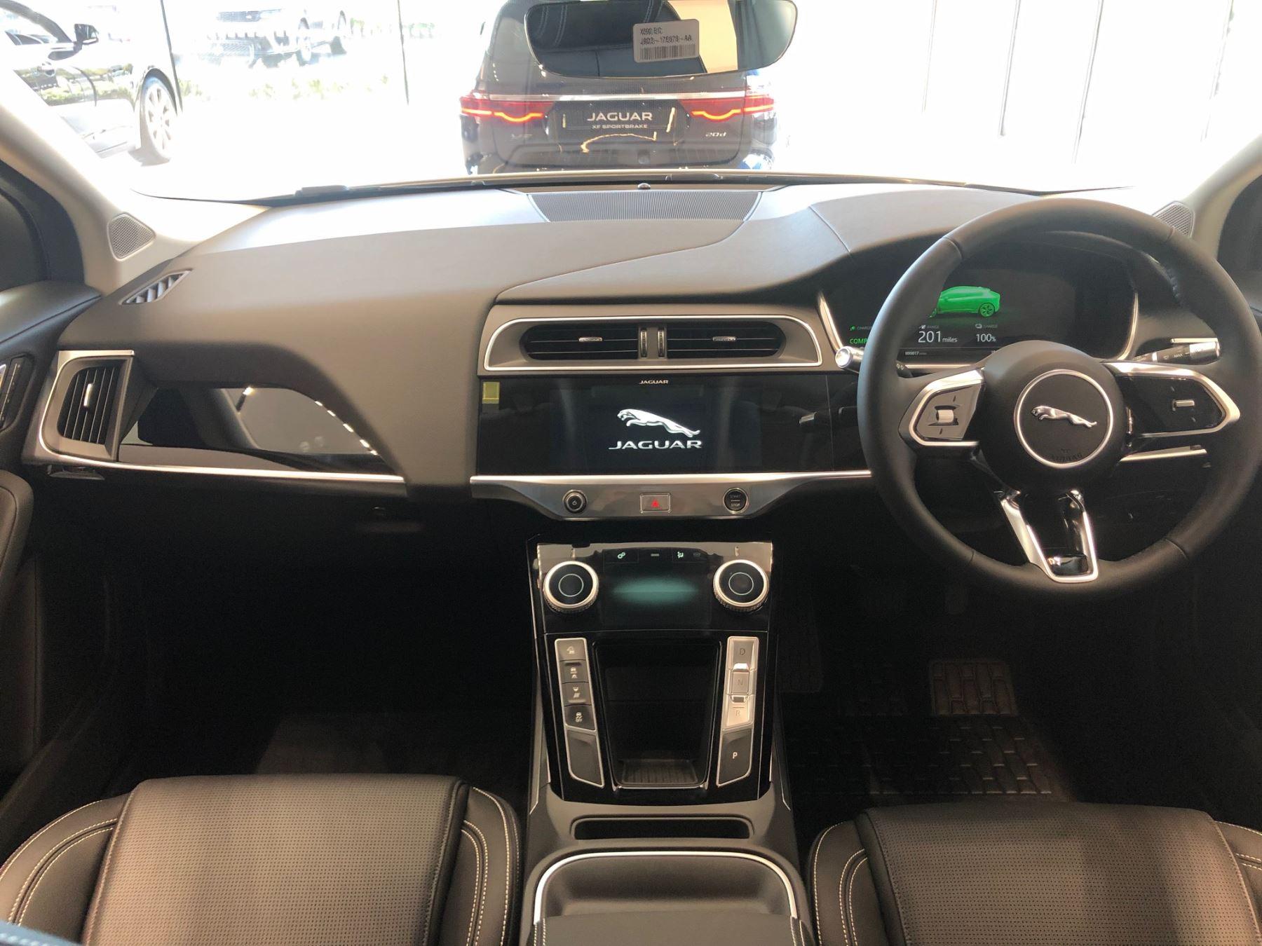 Jaguar I-PACE 90kWh EV400 SE image 8