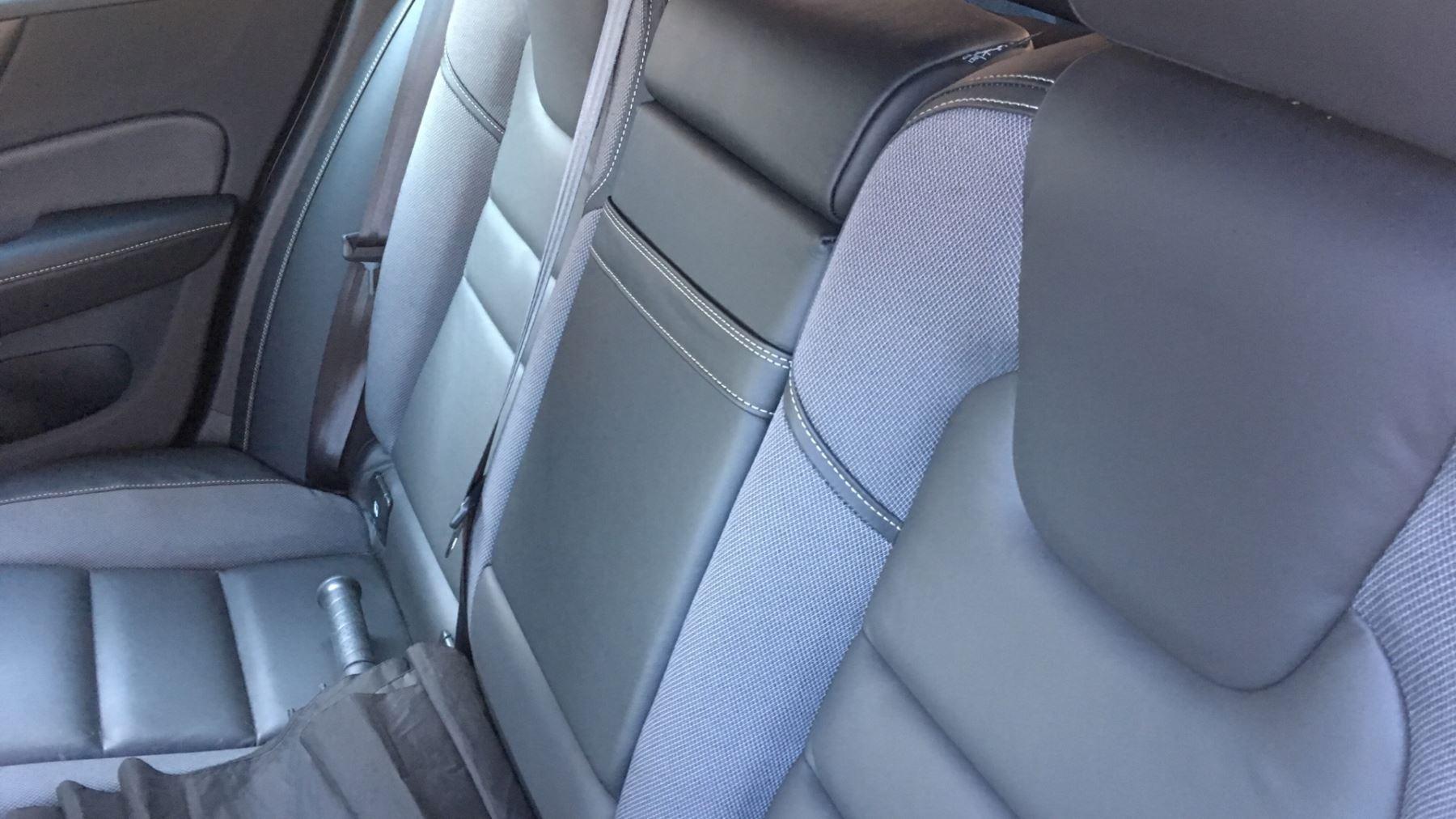 Volvo V60 2.0 D4 [190] R DESIGN 5dr - Volvo on Call, DAB Radio, SAT NAV, Park Assist image 10