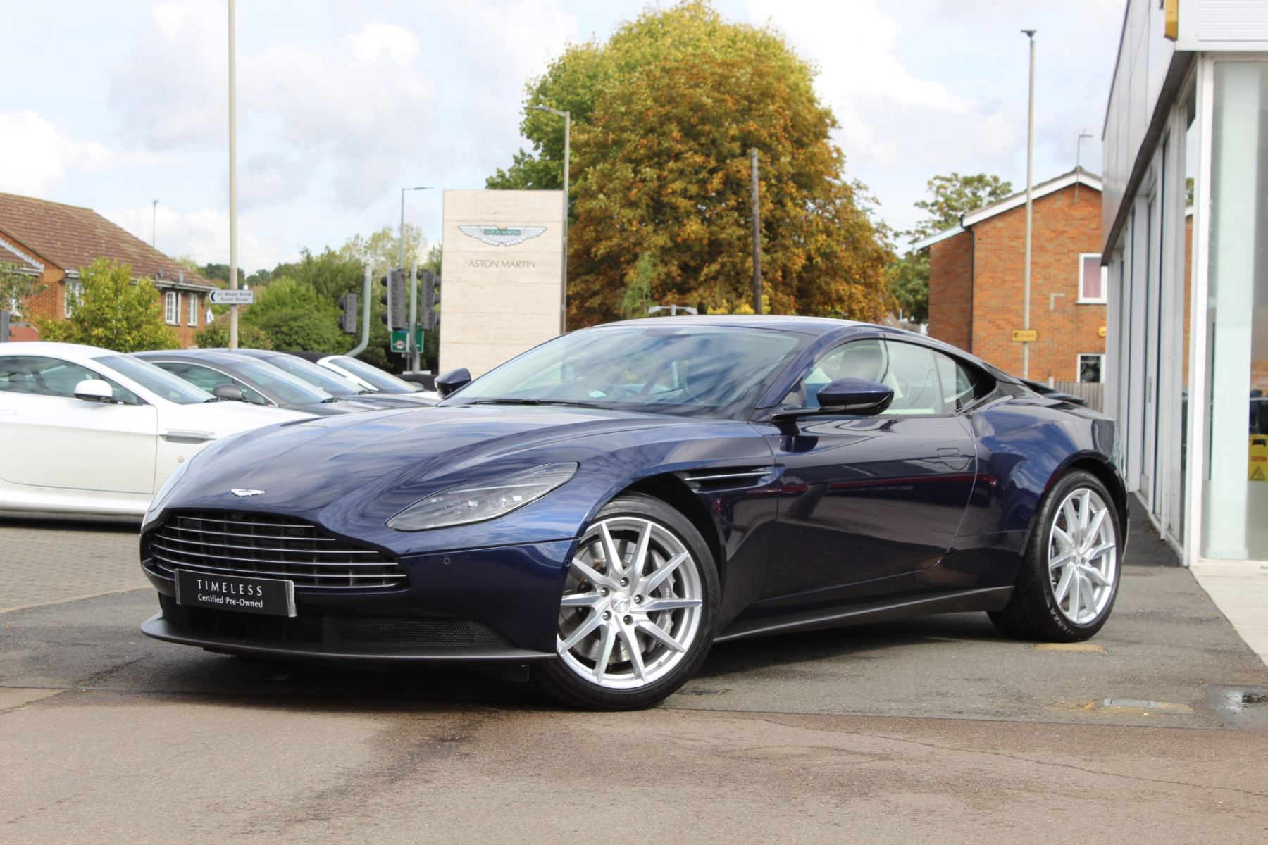 Aston Martin DB11 V8 2dr Touchtronic image 1
