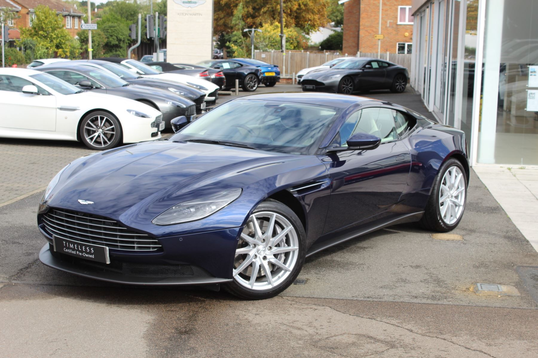 Aston Martin DB11 V8 2dr Touchtronic image 5