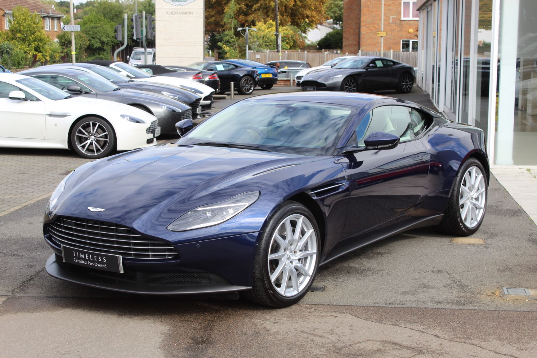 Aston Martin DB11 V8 2dr Touchtronic image 6