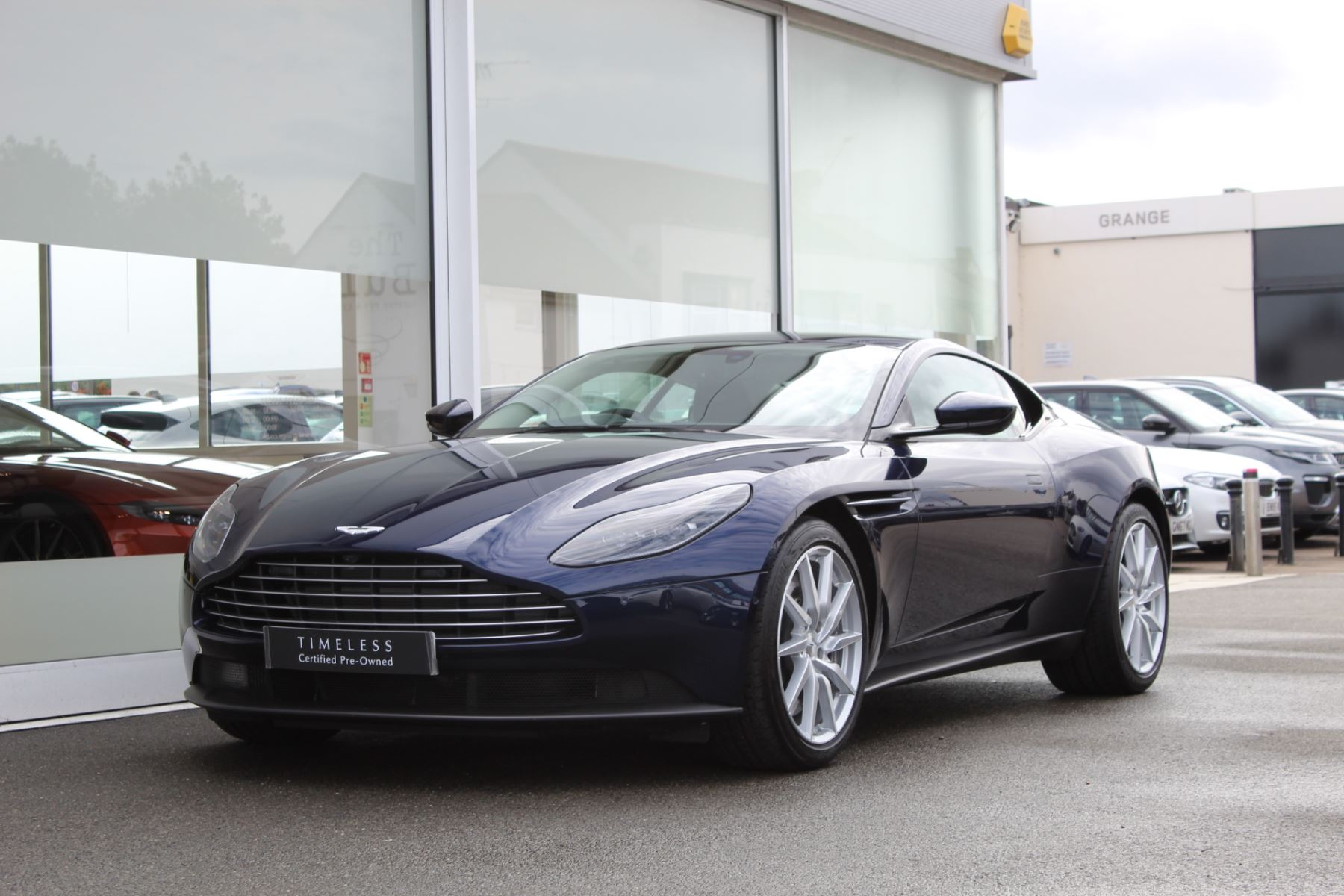 Aston Martin DB11 V8 2dr Touchtronic image 8