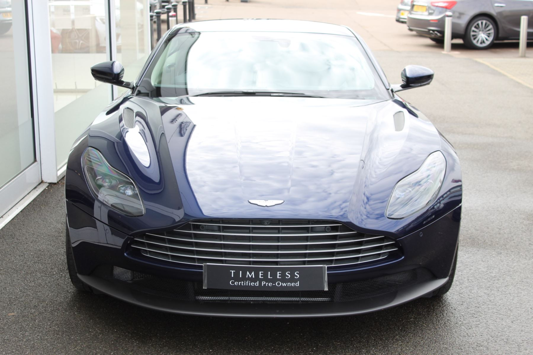 Aston Martin DB11 V8 2dr Touchtronic image 10