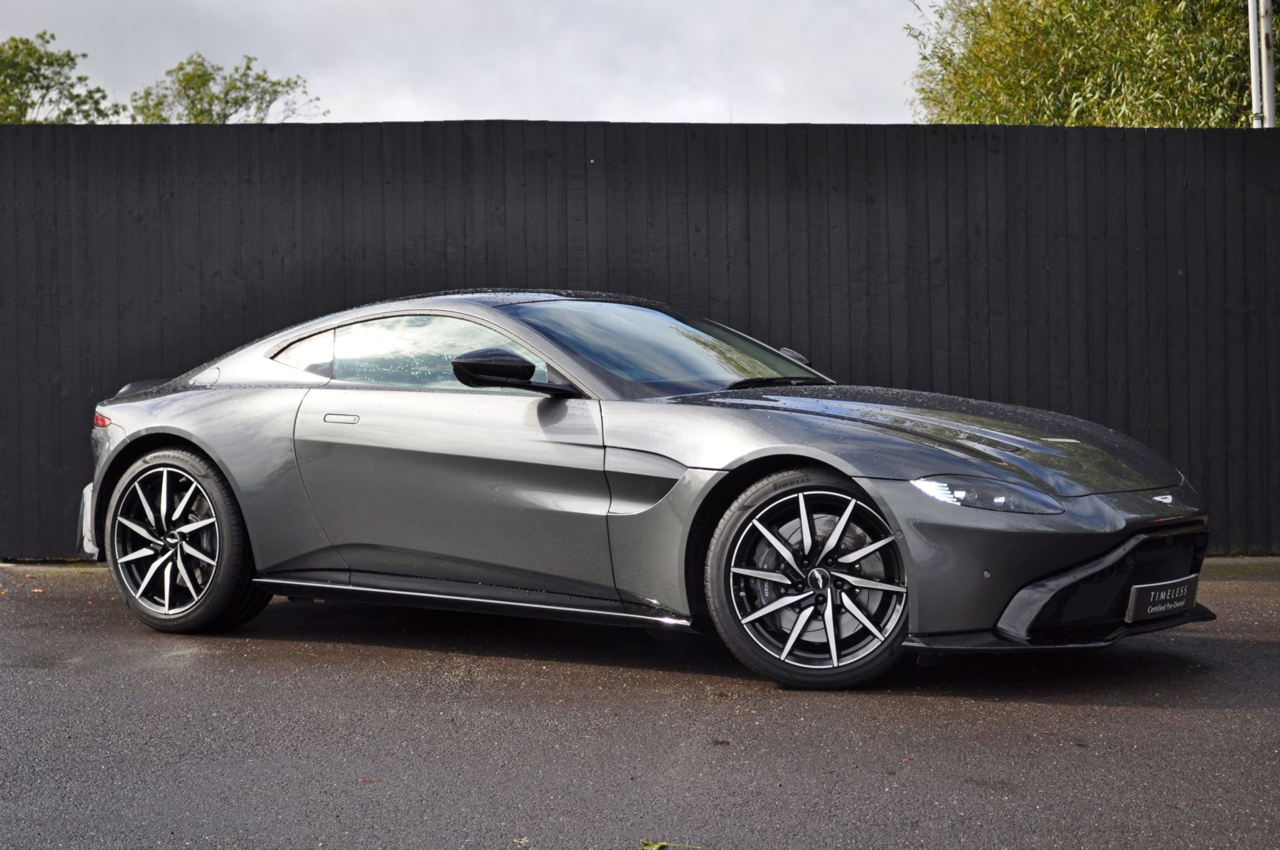 Aston Martin New Vantage 2dr ZF 8 Speed image 3