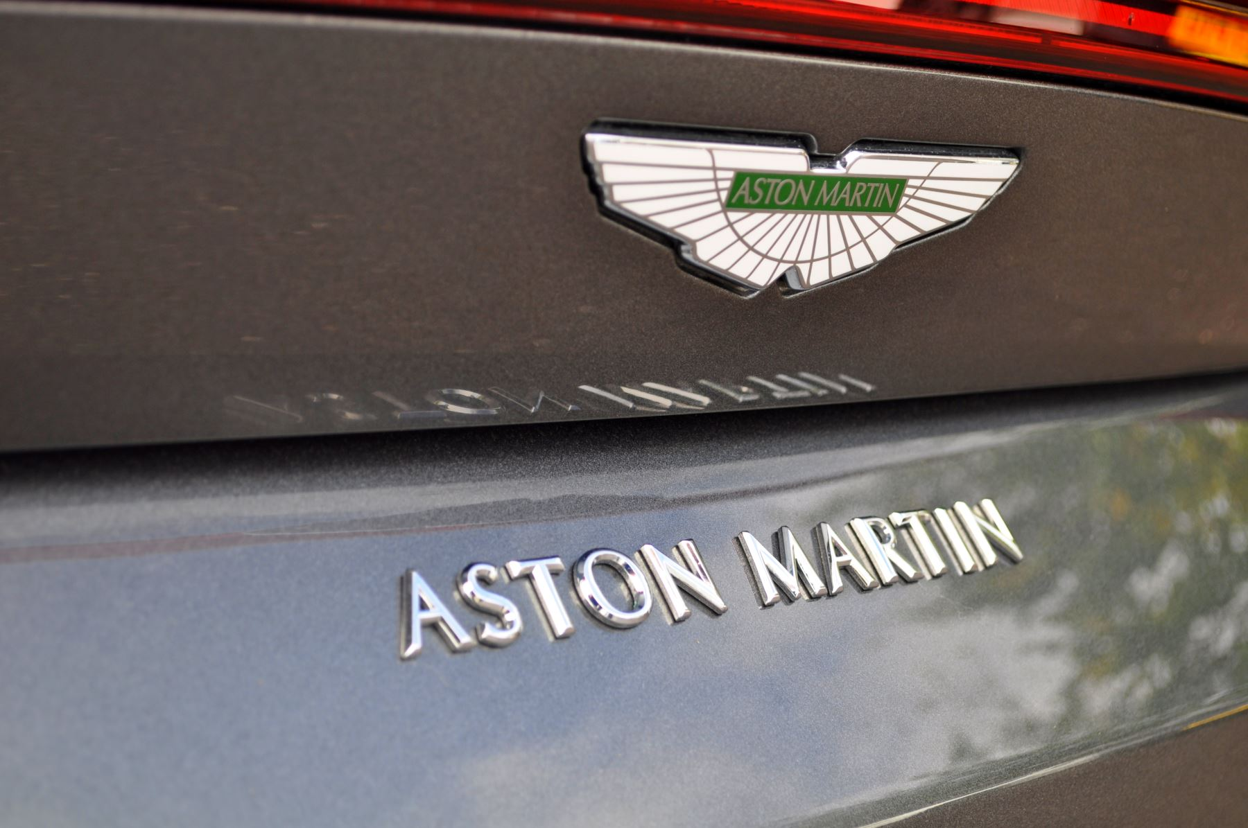 Aston Martin New Vantage 2dr ZF 8 Speed image 13