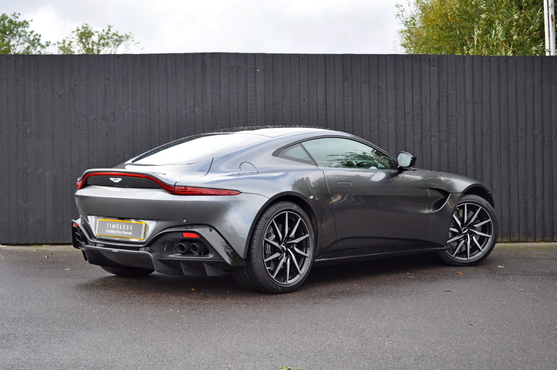 Aston Martin New Vantage 2dr ZF 8 Speed image 5
