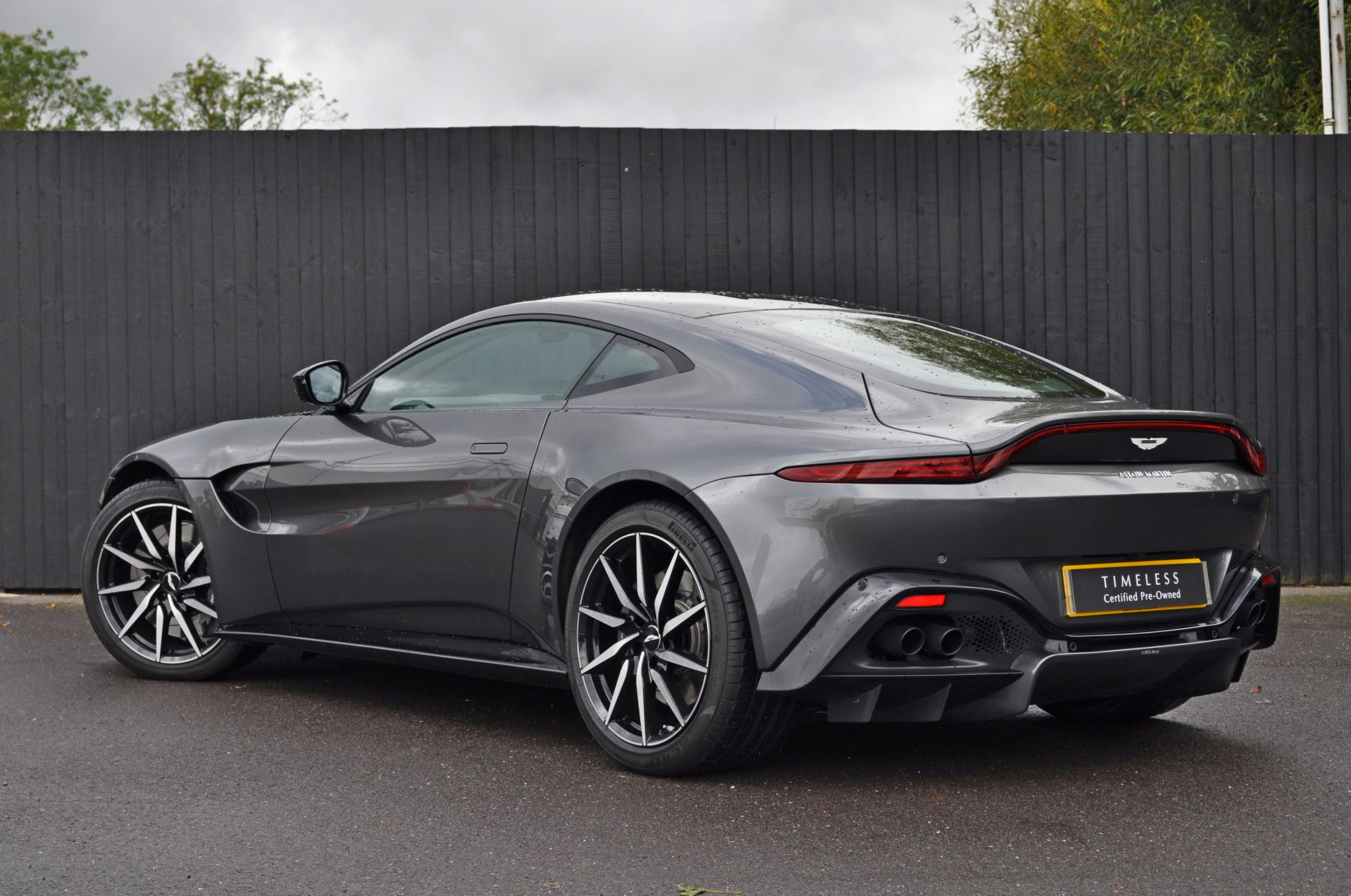 Aston Martin New Vantage 2dr ZF 8 Speed image 7