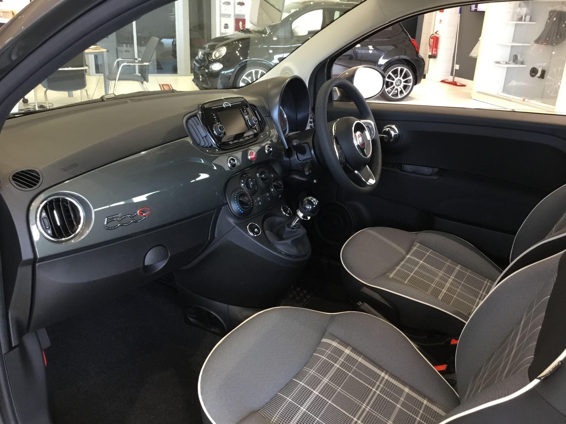 Fiat 500 1.2 Lounge 2dr image 6