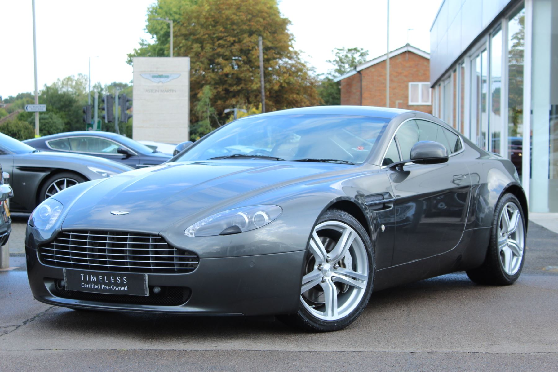 Aston Martin V8 Vantage Coupe 2dr Sportshift [420] 4.7 Sports Shift 3 door Coupe (2010) image