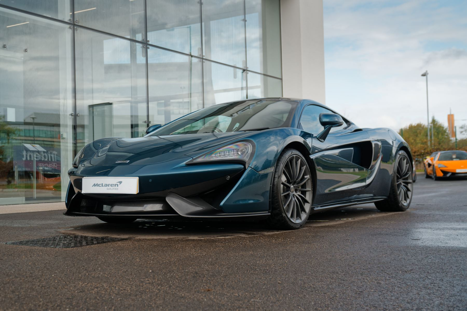 McLaren 570GT Coupe  3.8 Semi-Automatic 2 door (2017) image
