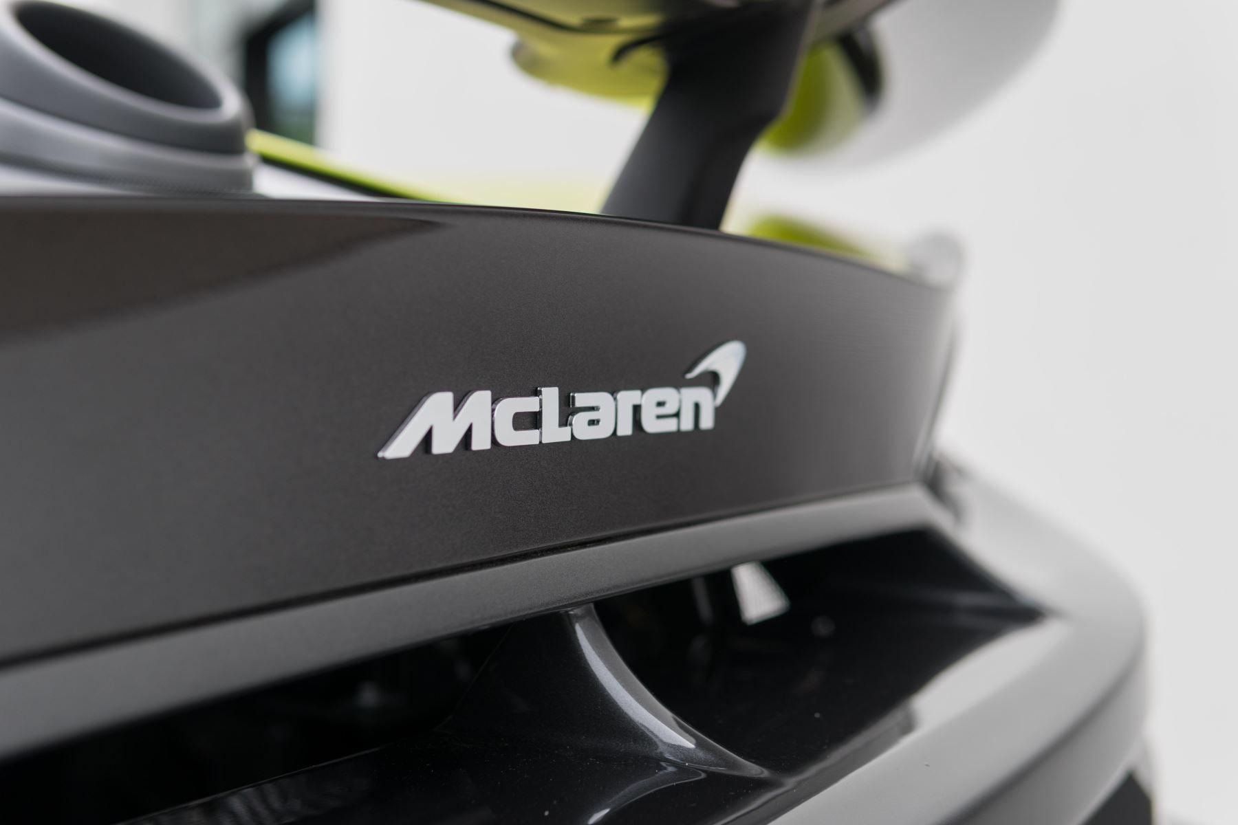 McLaren 600LT Spider Spider image 11