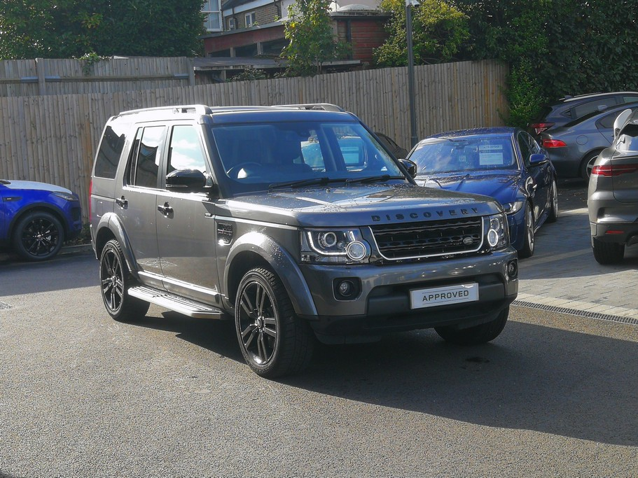 Land Rover Discovery 3.0 SDV6 SE Tech 5dr - Black Pack - Rear Camera - Low Mileage -  Diesel Automatic 4x4 (2015) image