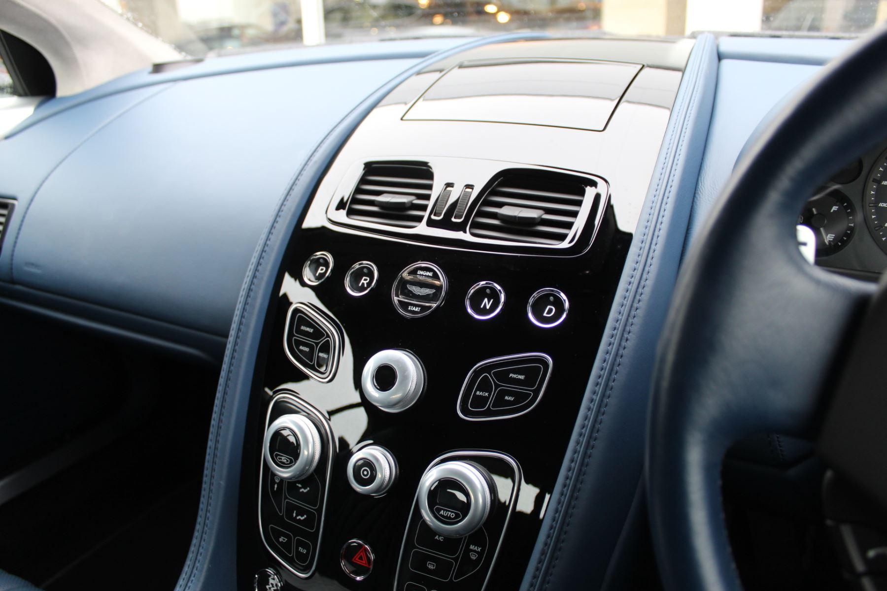 Aston Martin DB9 V12 GT 2dr Volante Touchtronic image 12