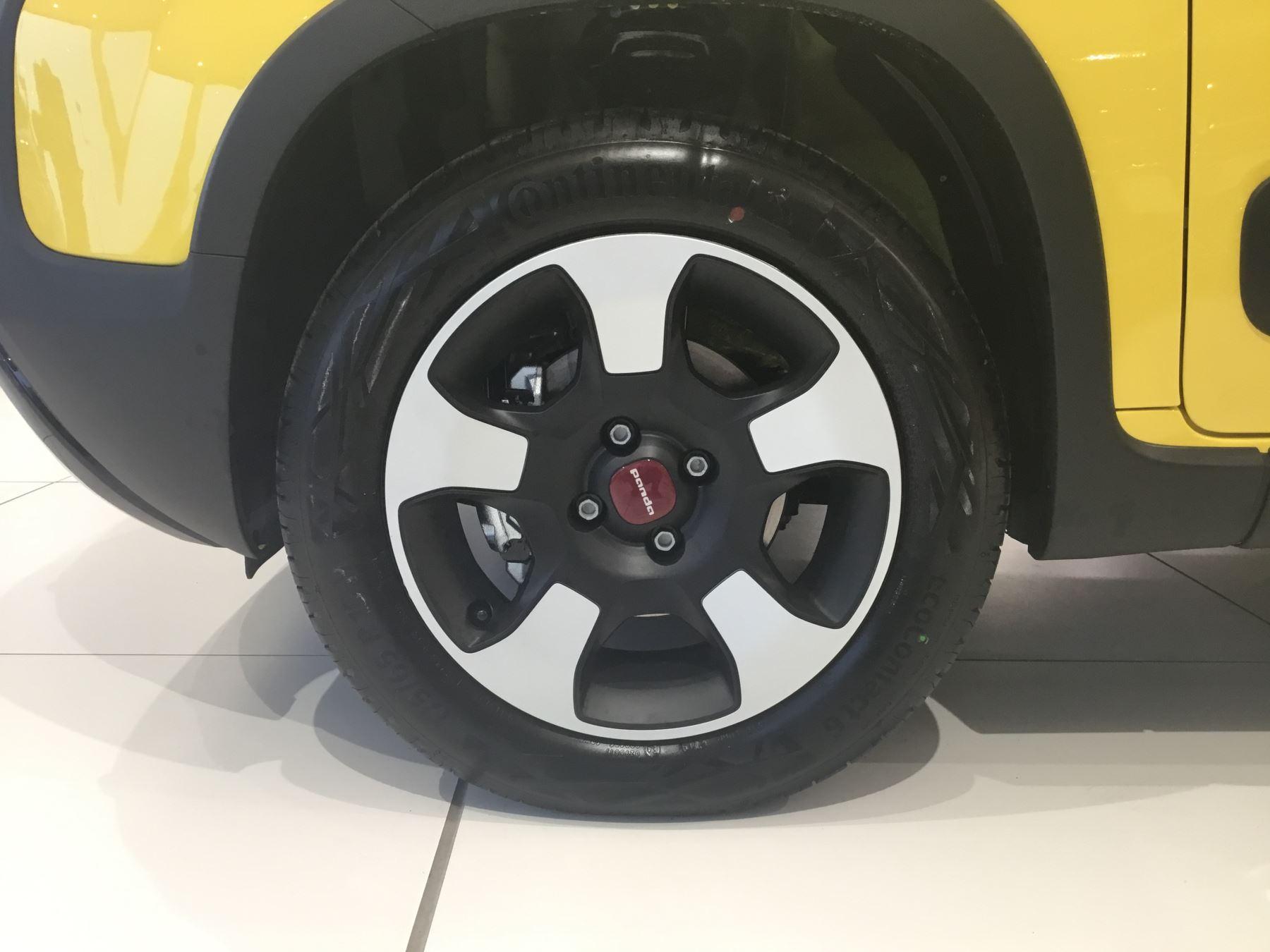 Fiat Panda 1.2 Waze SPECIAL EDITIONS image 2