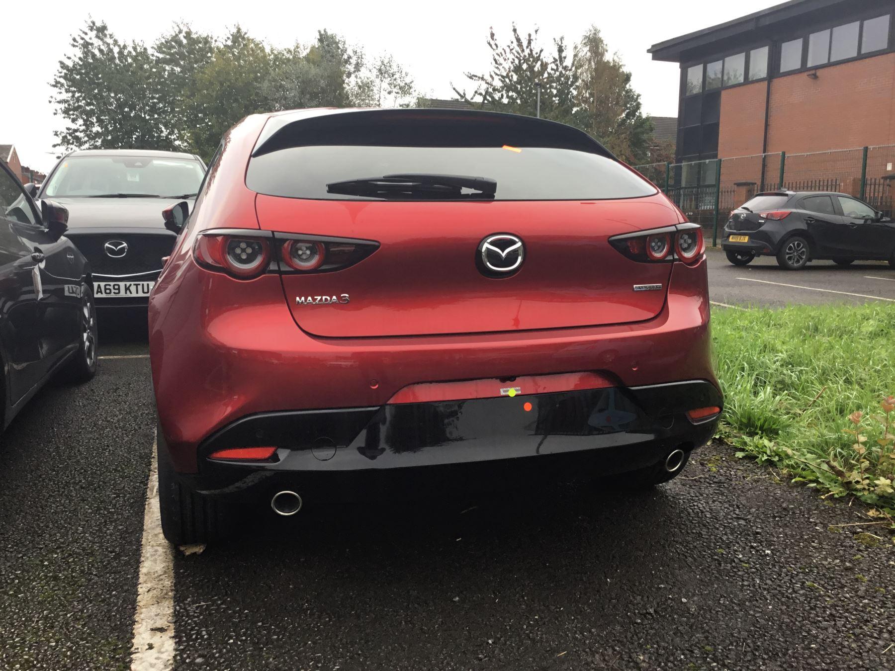 Mazda 3 2.0 Sport Lux image 7