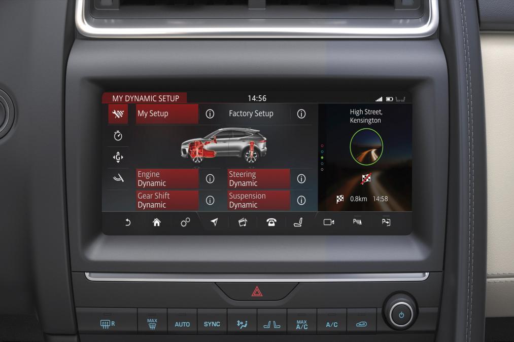 Jaguar E-PACE 2.0d R-Dynamic SE image 10