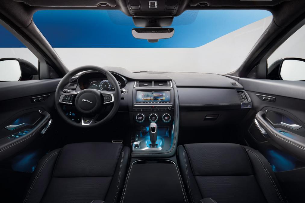 Jaguar E-PACE 2.0d R-Dynamic SE image 12