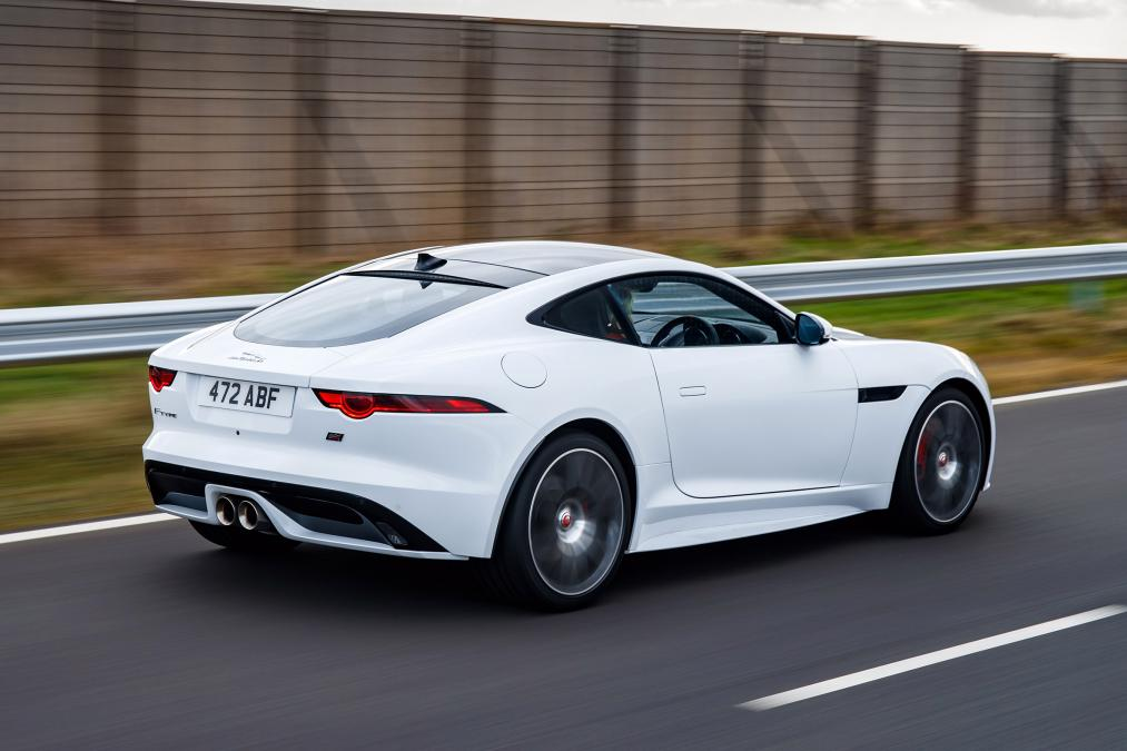 Jaguar F-TYPE 3.0 (380) Supercharged V6 R-Dynamic AWD image 2