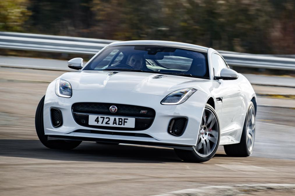 Jaguar F-TYPE 3.0 (380) Supercharged V6 R-Dynamic AWD image 6