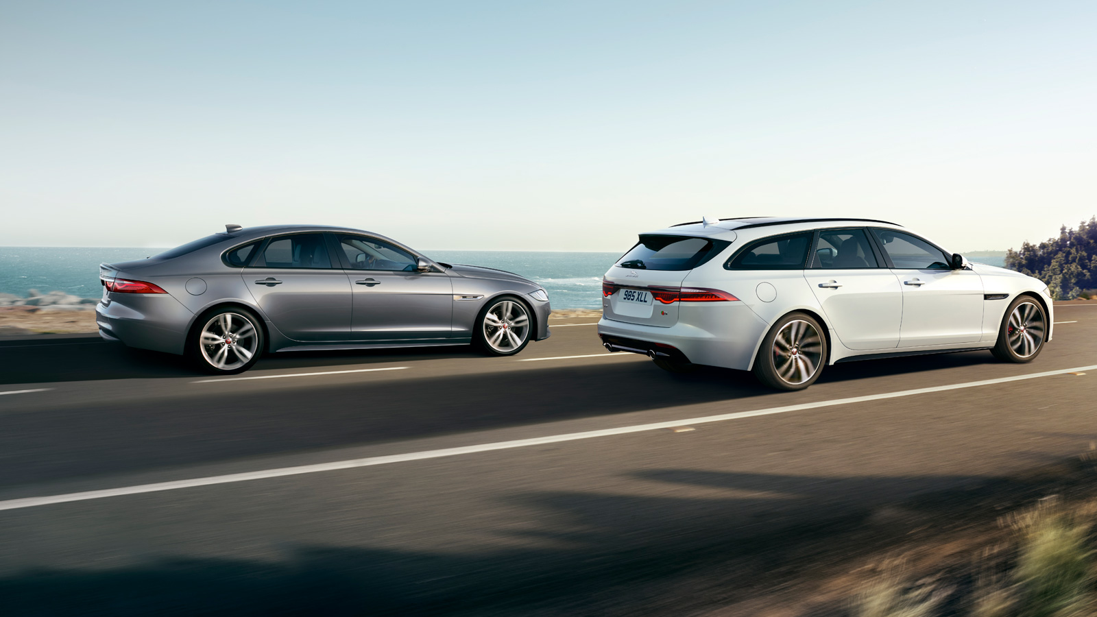 Jaguar XF SPORTBRAKE 2.0d (180) Chequered Flag AWD SPECIAL EDITIONS Diesel Automatic 5 door Estate (19MY) image