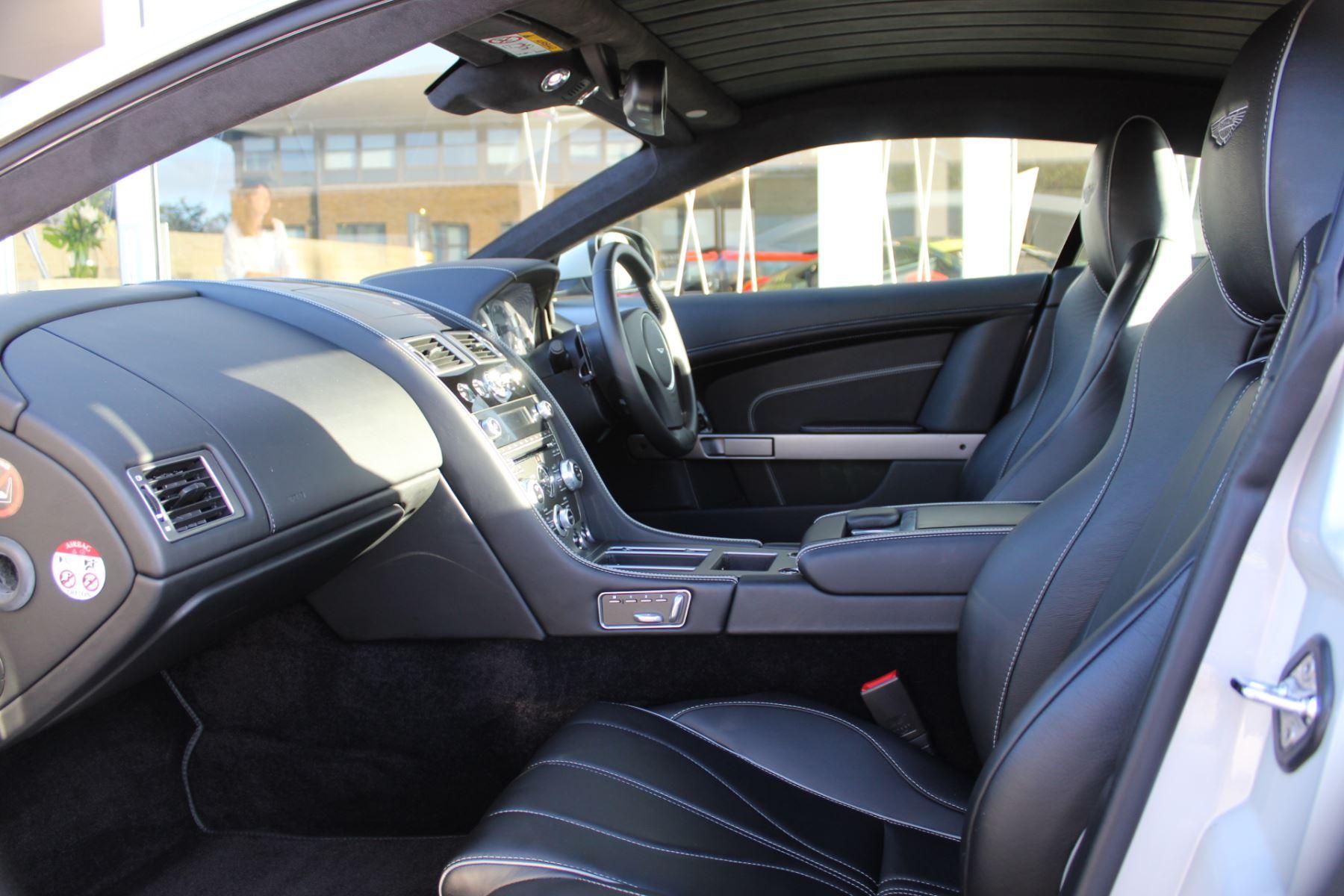 Aston Martin DB9 V12 2dr Touchtronic image 8