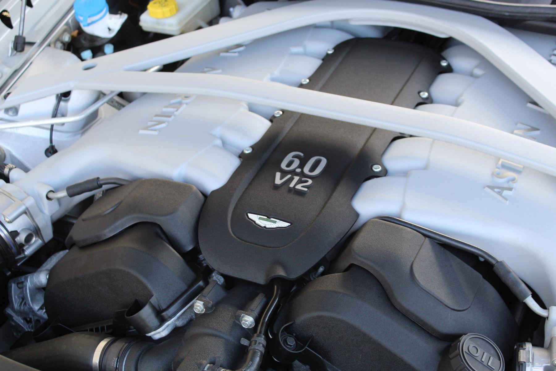 Aston Martin DB9 V12 2dr Touchtronic image 20