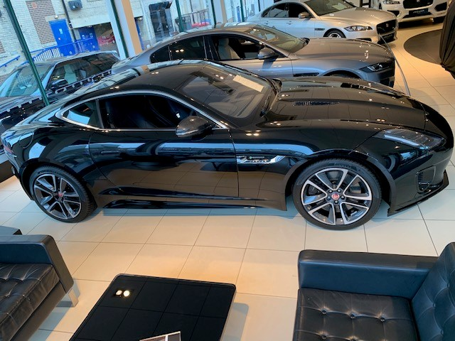 Jaguar F-TYPE Coupe 3.0 [380] Supercharged V6 R-Dynamic 2dr Auto - *** New & Unregistered Car*** image 4