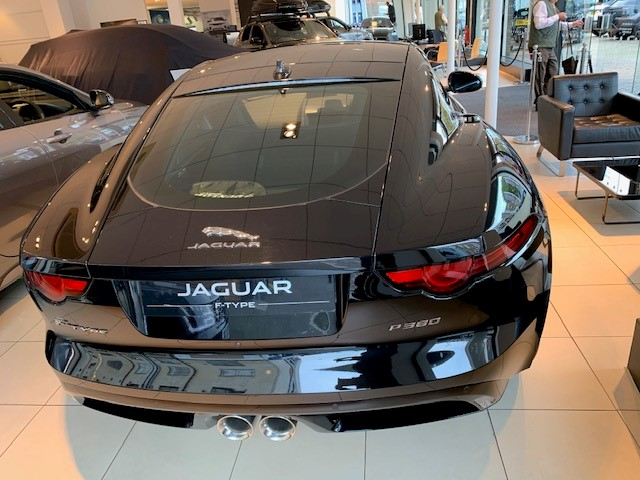 Jaguar F-TYPE Coupe 3.0 [380] Supercharged V6 R-Dynamic 2dr Auto - *** New & Unregistered Car*** image 5