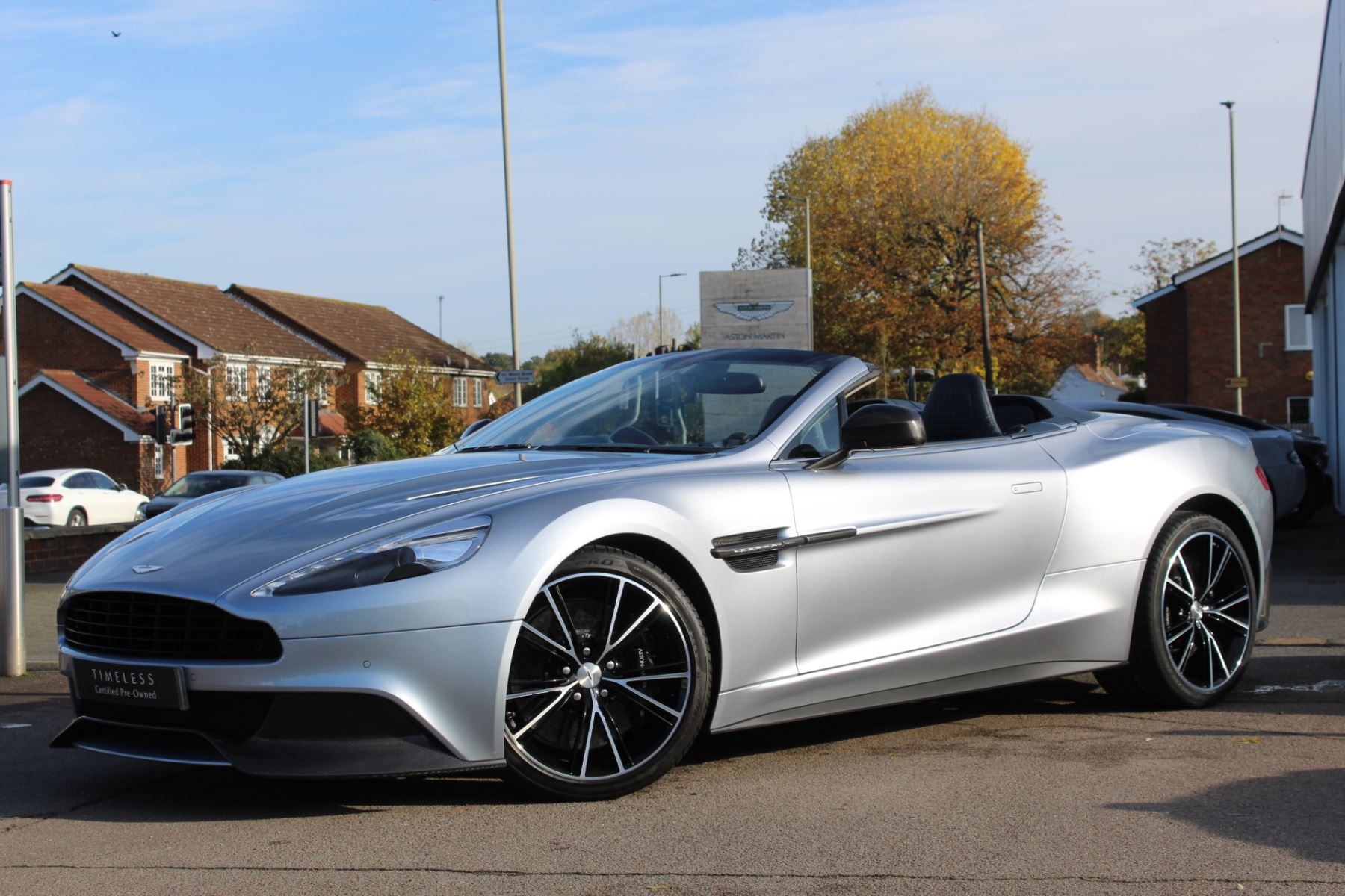 Aston Martin Vanquish V12 2dr Volante Touchtronic 5.9 Automatic Convertible (2014) image