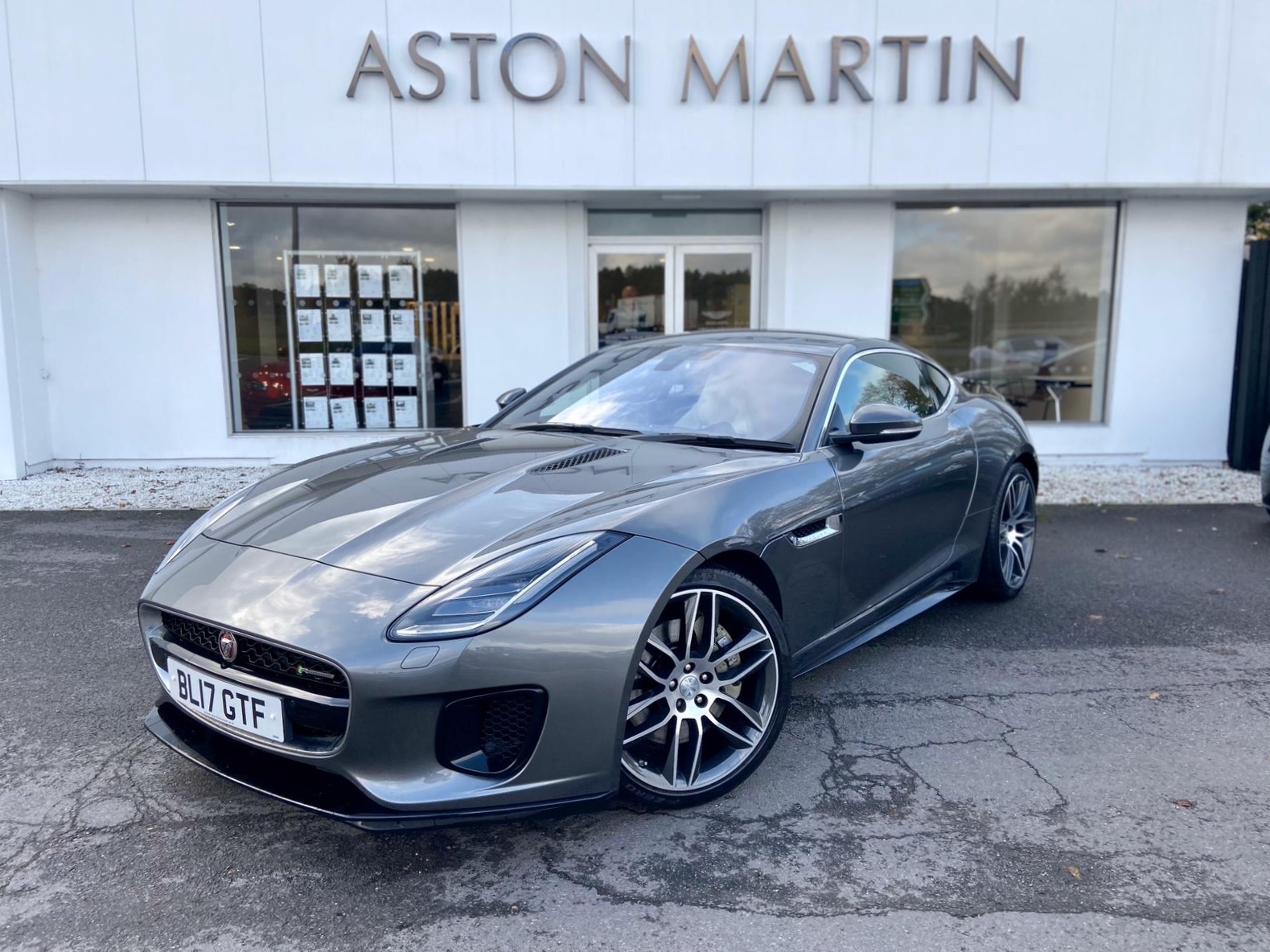 Jaguar F-TYPE 3.0 Supercharged V6 R-Dynamic 2dr Automatic 3 door Coupe (2017)