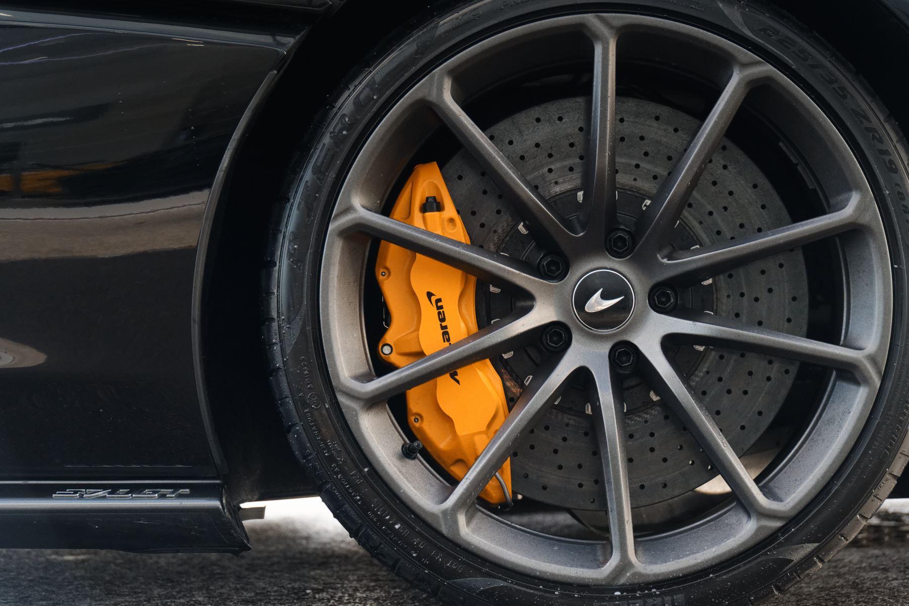McLaren 570GT Coupe  image 17