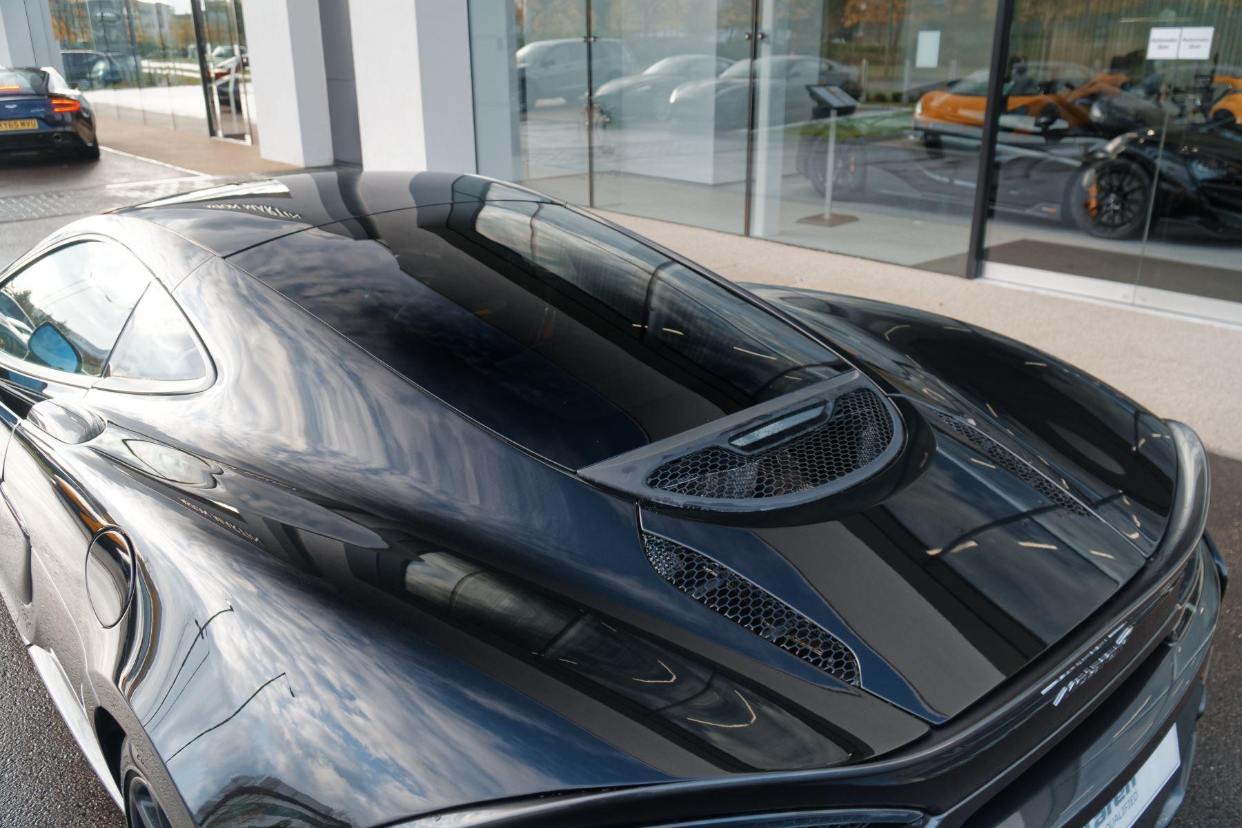 McLaren 570GT Coupe  image 21