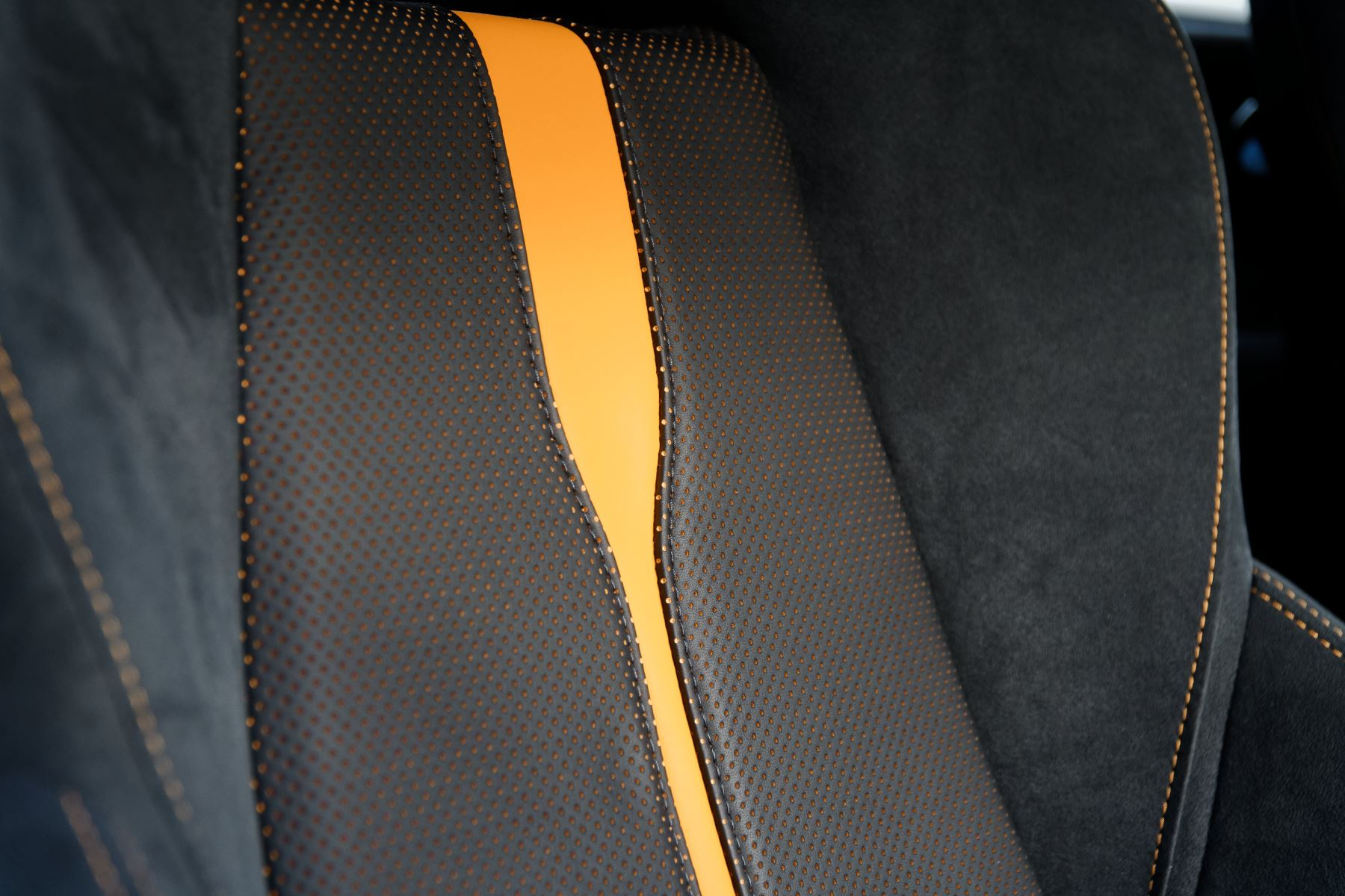 McLaren 570GT Coupe  image 27