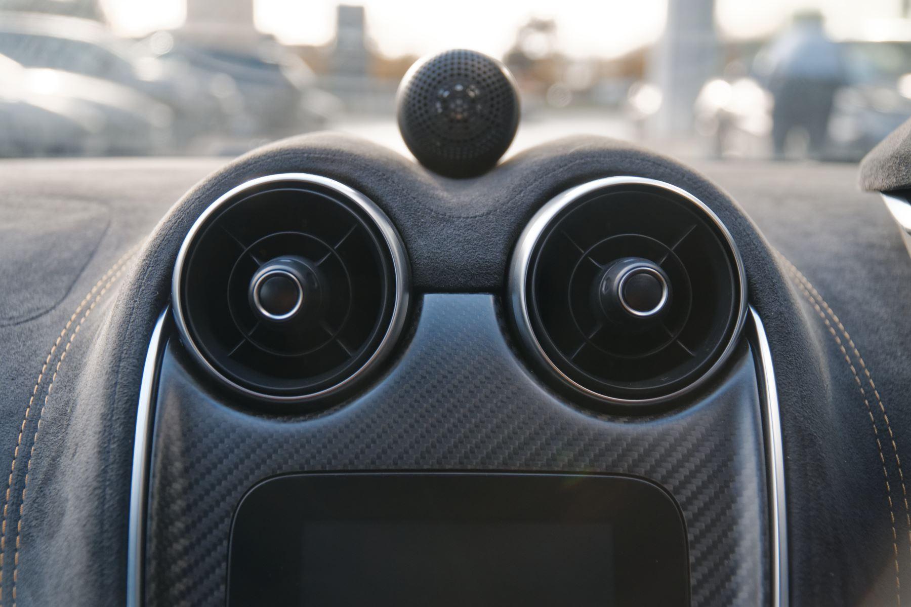 McLaren 570GT Coupe  image 34