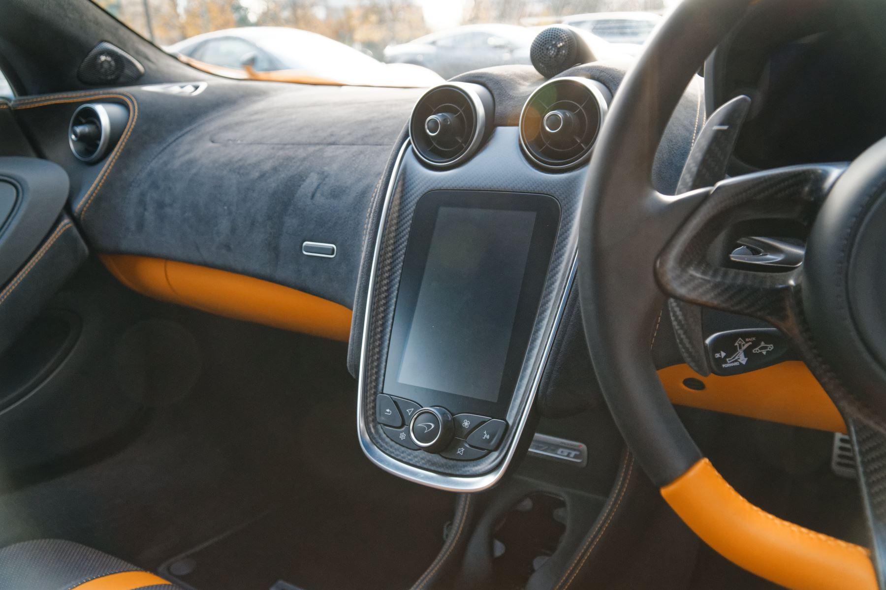 McLaren 570GT Coupe  image 35