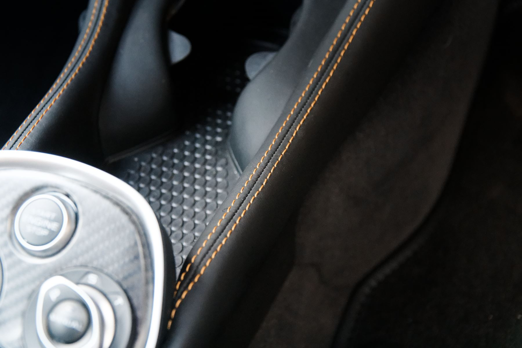 McLaren 570GT Coupe  image 40