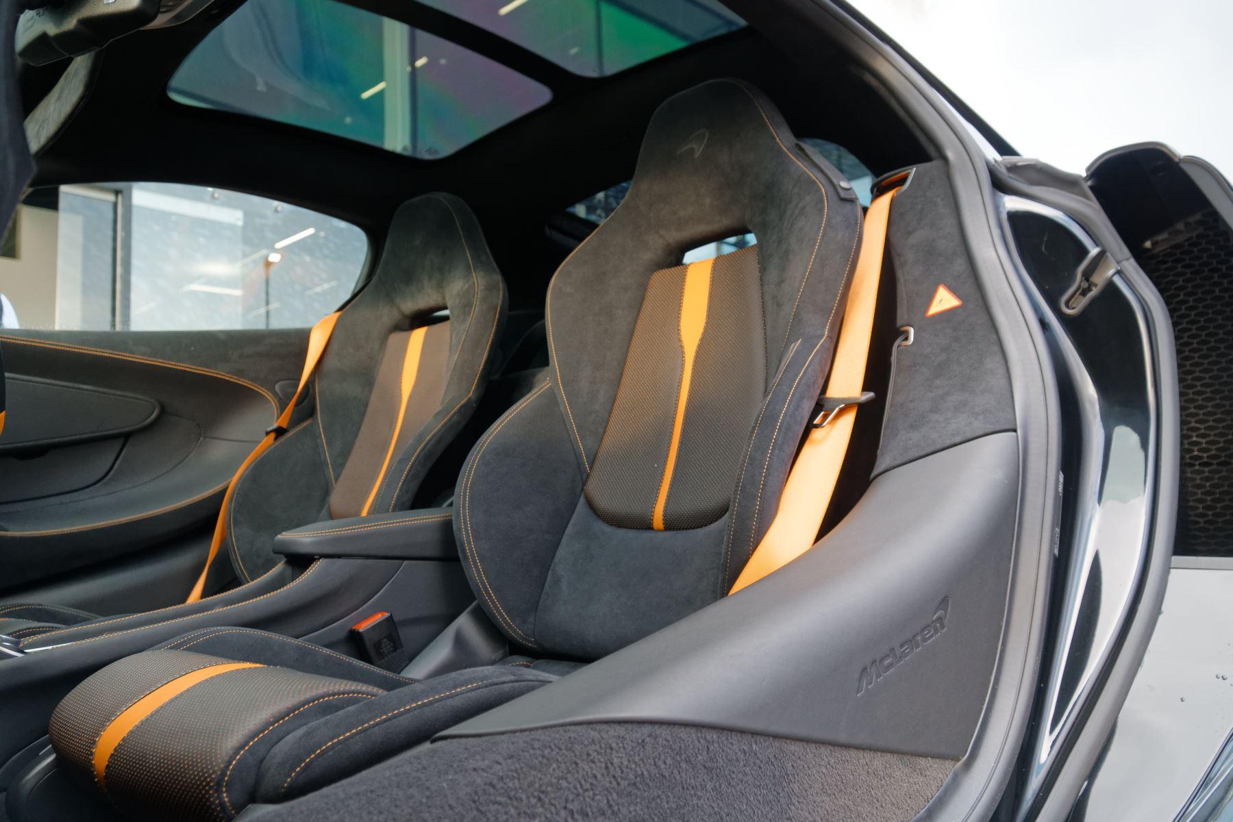 McLaren 570GT Coupe  image 51