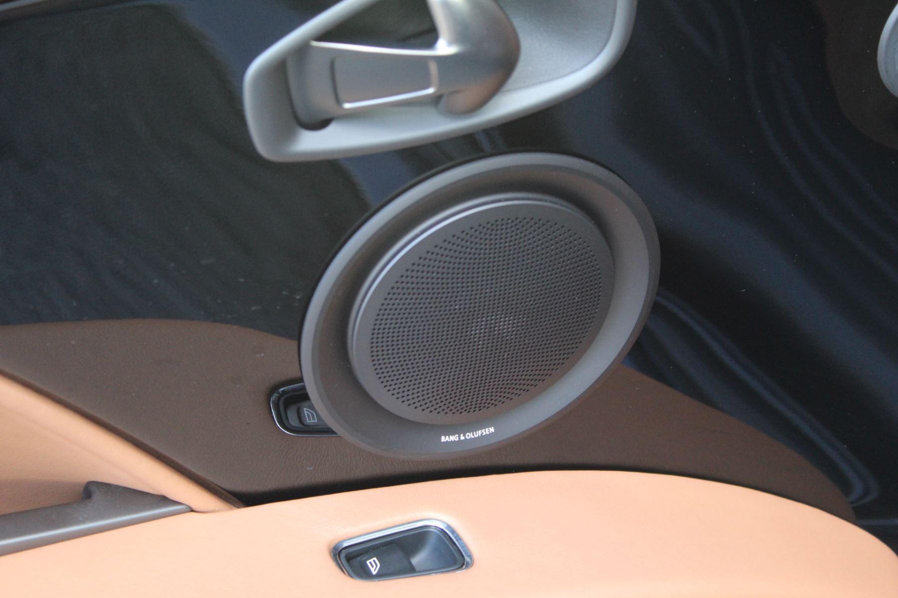 Aston Martin DB11 V12 2dr Touchtronic image 17