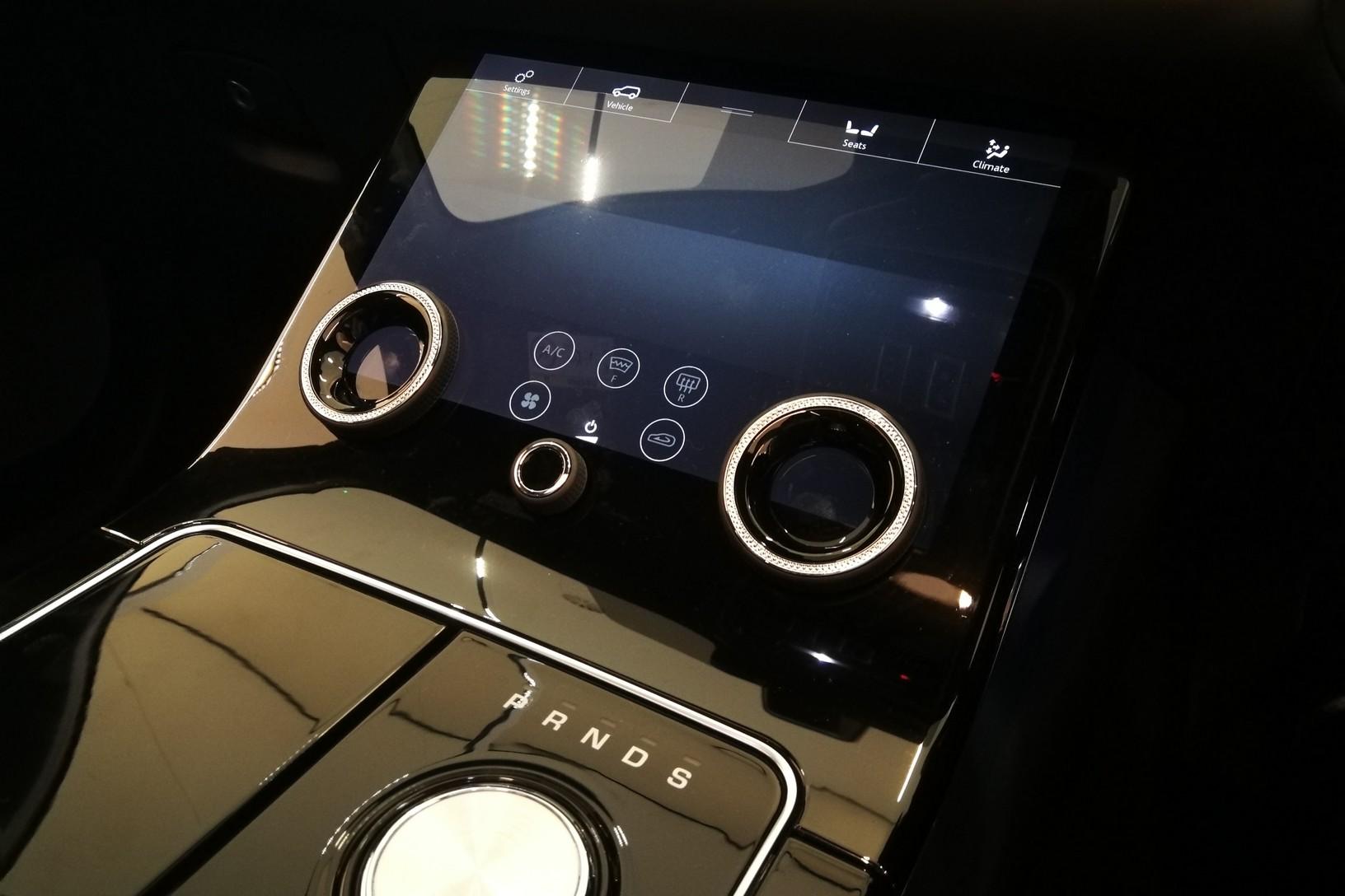 Land Rover Range Rover Velar 5.0 P550 SVAutobiography Dynamic Edition 5dr Auto image 9