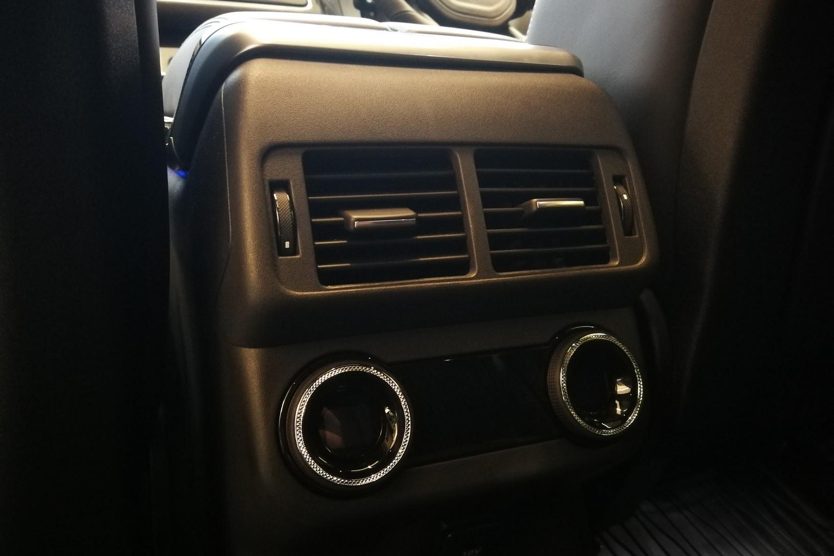 Land Rover Range Rover Velar 5.0 P550 SVAutobiography Dynamic Edition 5dr Auto image 24