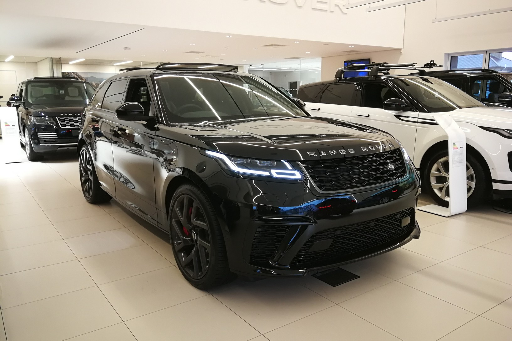 Land Rover Range Rover Velar 5.0 P550 SVAutobiography Dynamic Edition Automatic 5 door 4x4 (19MY)
