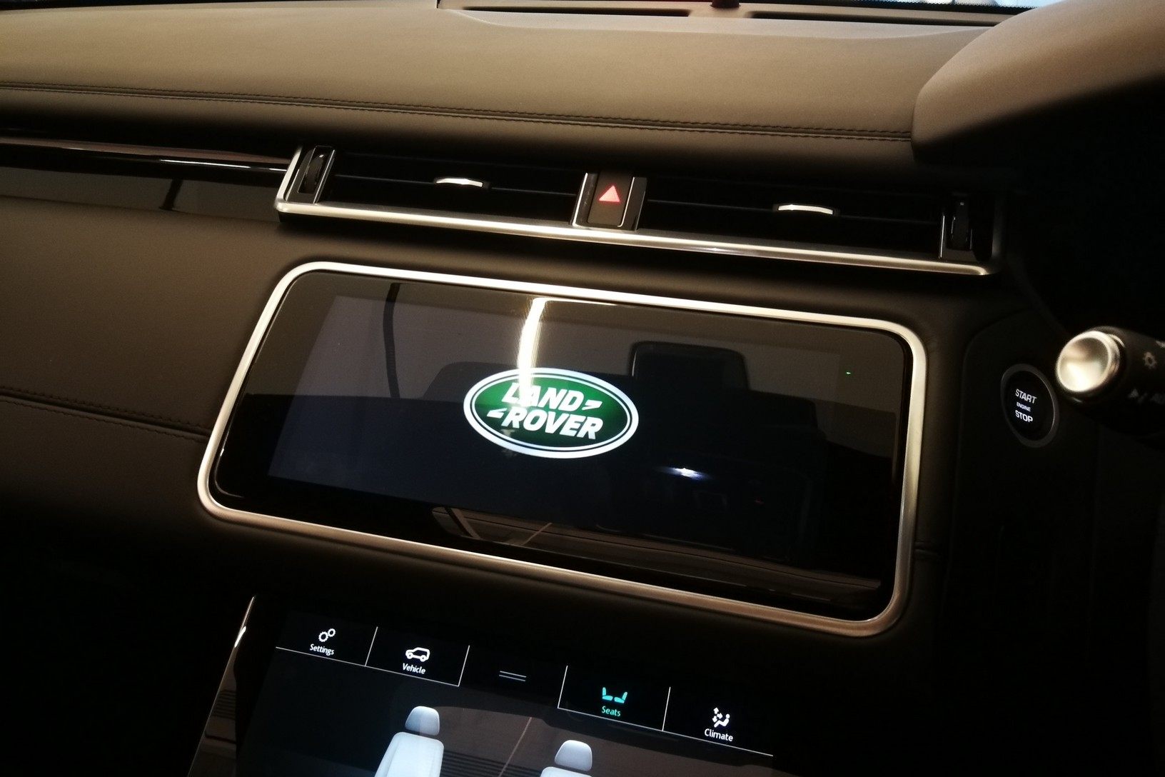 Land Rover Range Rover Velar 5.0 P550 SVAutobiography Dynamic Edition image 11