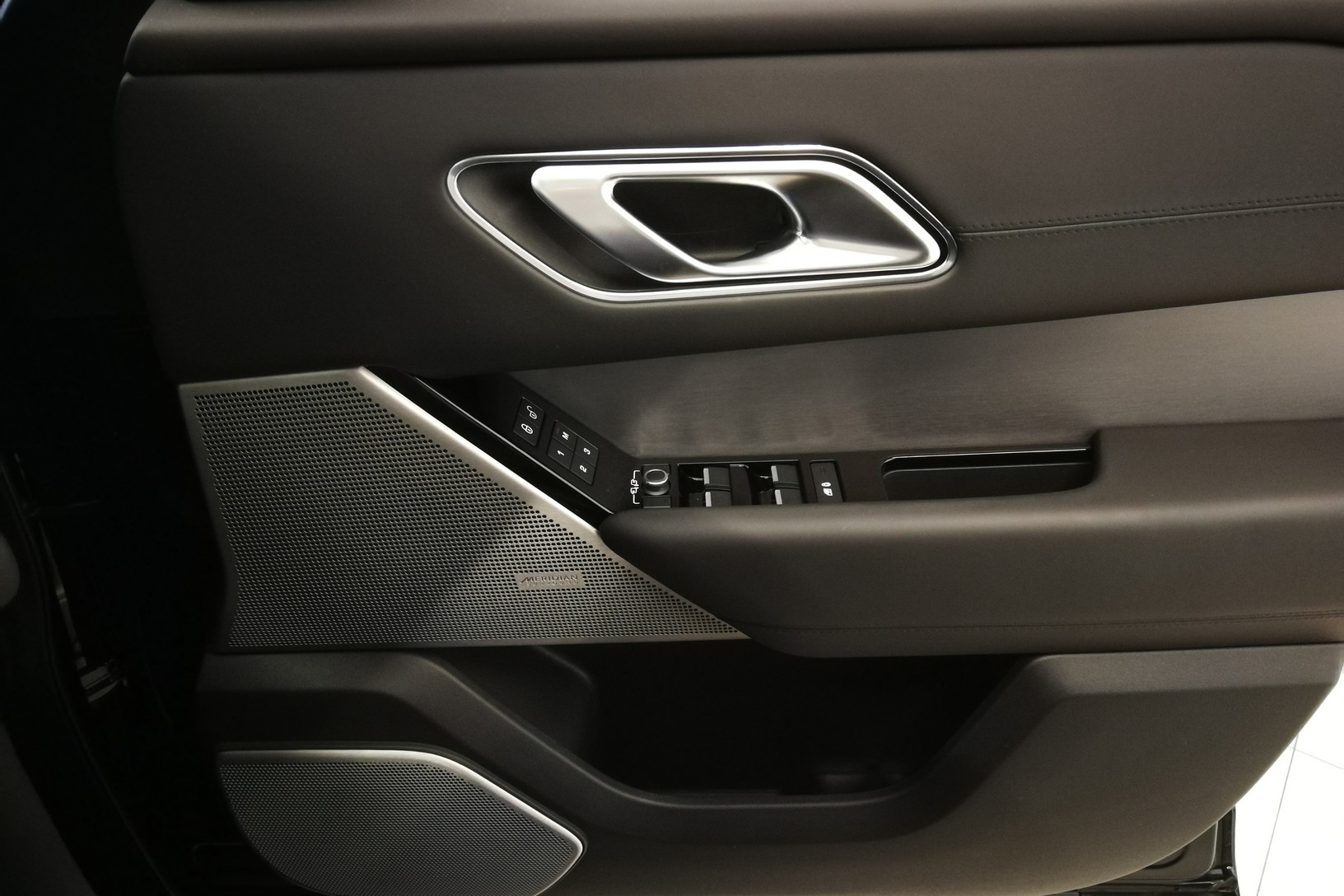 Land Rover Range Rover Velar 5.0 P550 SVAutobiography Dynamic Edition image 16