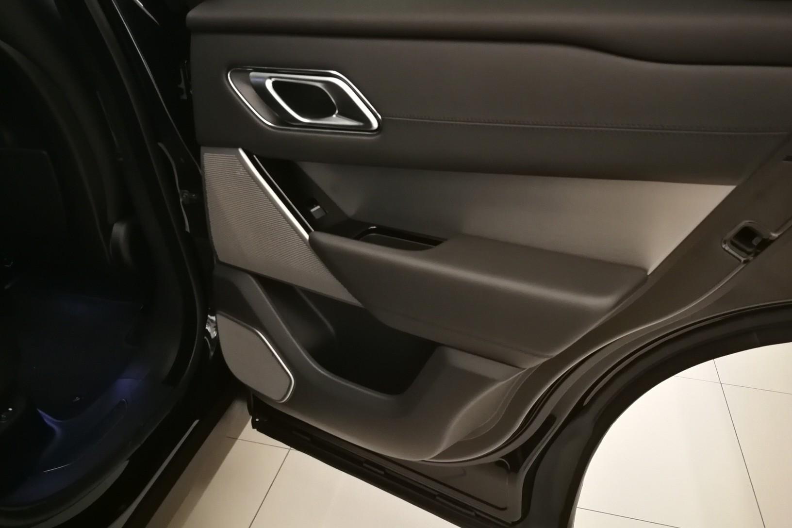 Land Rover Range Rover Velar 5.0 P550 SVAutobiography Dynamic Edition image 21